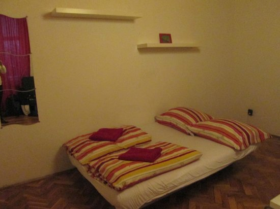 Boomerang Hostel and Apartments: bedroom