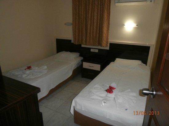 Sun Village Apartments : Bedroom