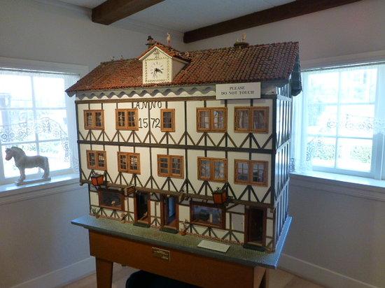 Elverhoj Museum : Danish Doll House
