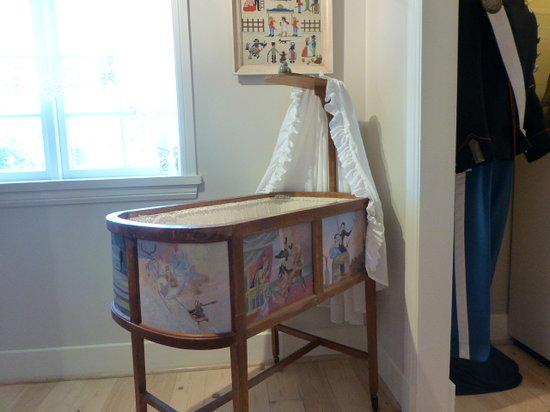 Elverhoj Museum : Danish crib