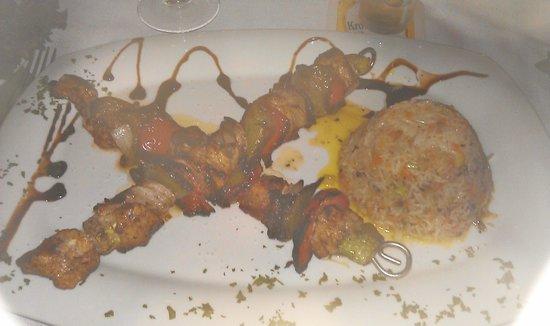 B.I.A : mmm mmm yummy chicken kebabs & rice