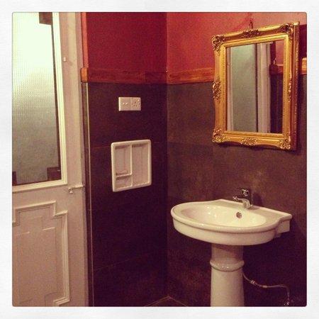 The Mansion: Bathroom