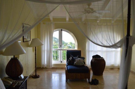 Windjammer Landing Villa Beach Resort: Our room