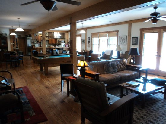 Bent Creek Lodge: Main floor interior