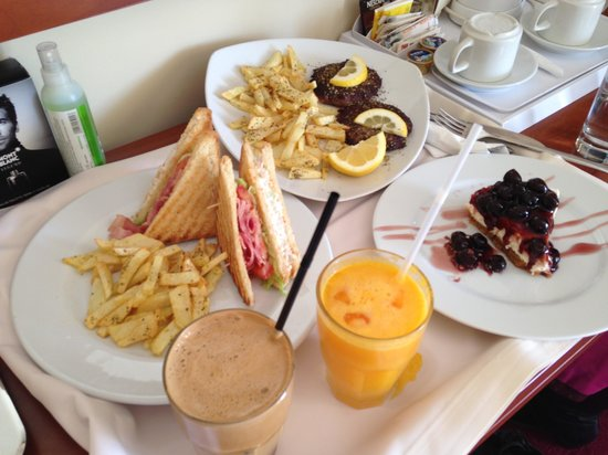 Polis Grand Hotel: room service