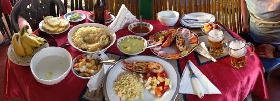 Red Lobster Tours Spa & Restaurant: 2500 rup