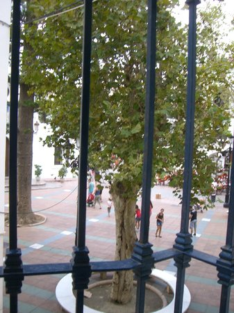 Hostal Marissal: Balcony facing the plaza