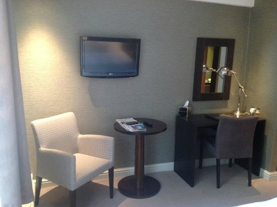 The Castle Hotel: Room