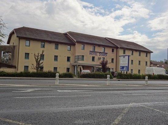 Stars Geneve Aeroport: Vista externa do hotel