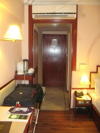 Nahar's Heritage Hotel: The Room