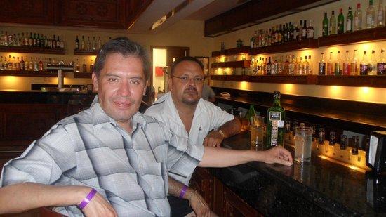 The Royal Suites Punta de Mita by Palladium: un bar del hotel
