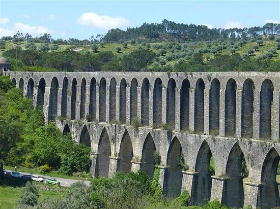 Pegoes Aqueduct: yes its high...and windy!