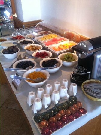 Hôtel Le Pinarello : les fruits du petit dejeuner