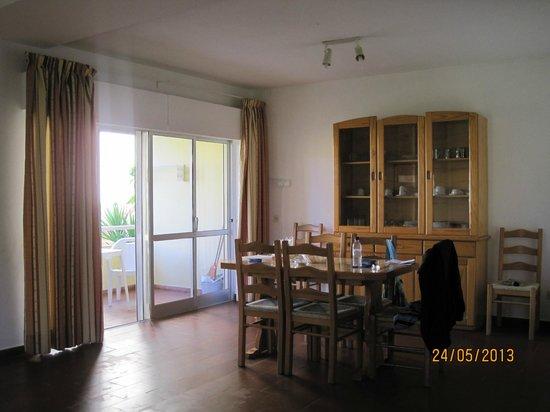 Parque Mourabel Apartments: Dining area