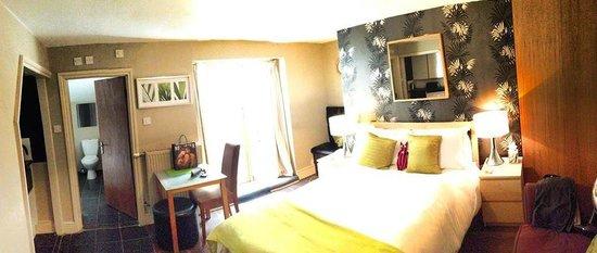 Amherst Brighton: Bedroom
