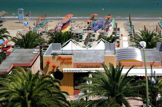 Ristorante In Spiaggia Self Service Picture Of Hotel Progresso San Benedetto Del Tronto Tripadvisor