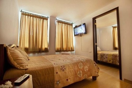 Quito Airport Suites: the suite with 2 separate bedrooms