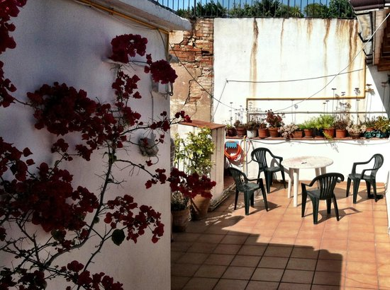Itaca Hostel: Sun terrace at Carme