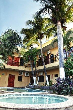 San Miguel, El Salvador: Pool Area