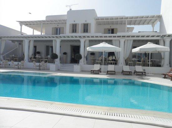 La Residence Mykonos Hotel Suites: pool