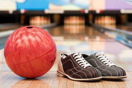 Langford Lanes : Bowling balls and shoes