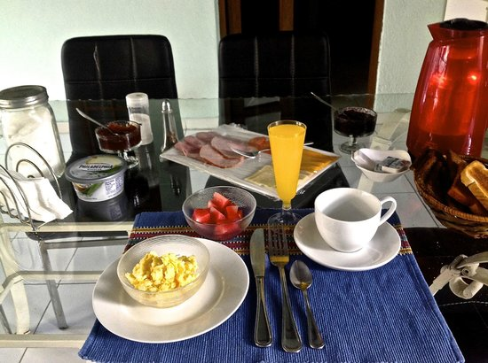 A typical delicious and nutritious breakfast served at Hostal Aleman.