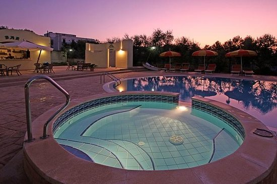 Residence Villa Candida: pool before a night party