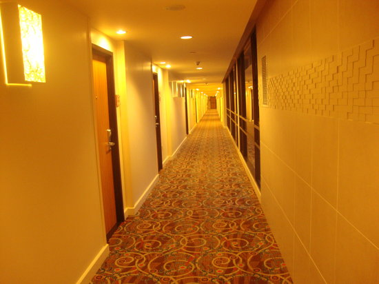 Hilton Trinidad and Conference Centre: Corridor