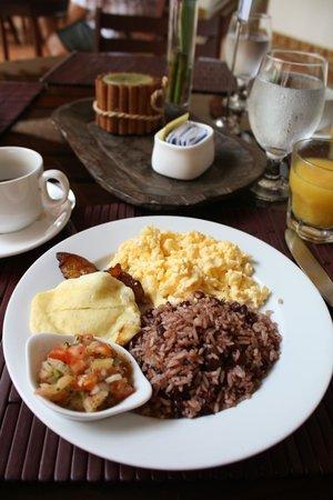 Hotel Plaza Colon: Breakfast