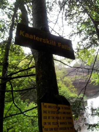 Kaaterskill falls entrance