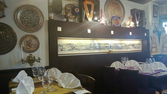 Ravintola Istanbul Oriental: inside