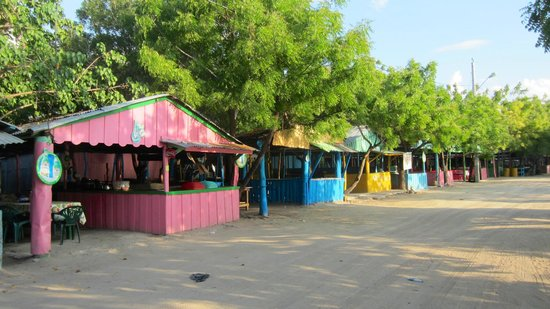 Punta Rucia, República Dominicana: Restaurants at La Ensenada