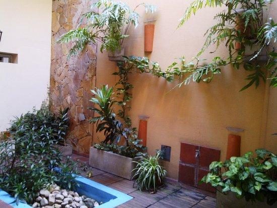 Hostel Sol de Oro: vista del patio