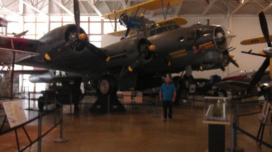 Hill Aerospace Museum: Inside planes
