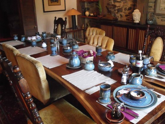 Alpenhof Bed and Breakfast: Dining