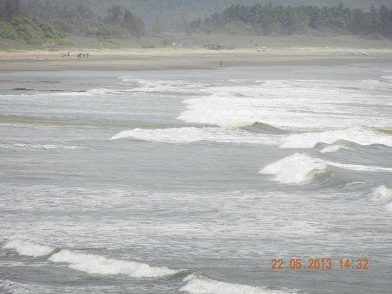 Ganapatipule Beach: shallow waters