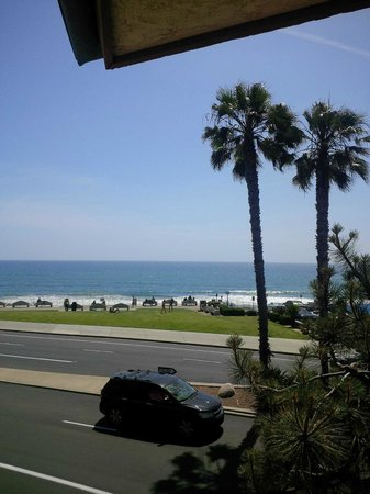 BEST WESTERN PLUS Beach View Lodge: View from 2nd floor balcony