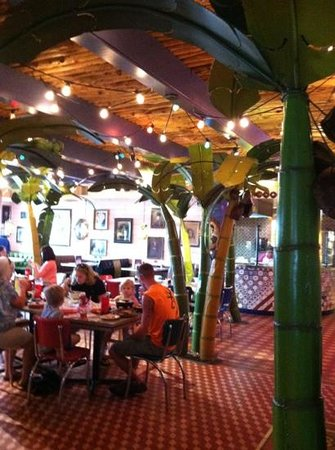 Chuy's: Festive indoor dining