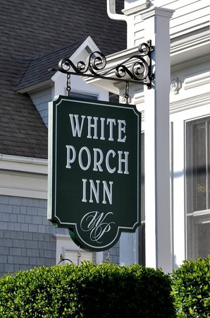 White Porch Inn: Entrance