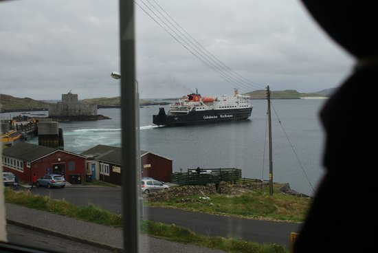 Tigh-Na-Mara Guest House : the view of the ferry leaving the pier fro room 6