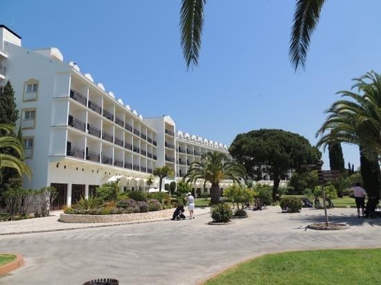 Penina Hotel & Golf Resort : Front of hotel