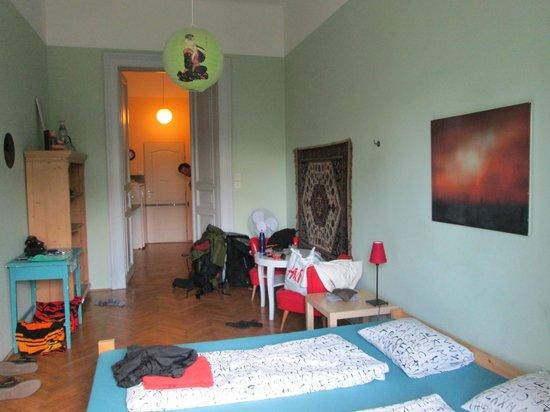 Lavender Circus Hostel: Room