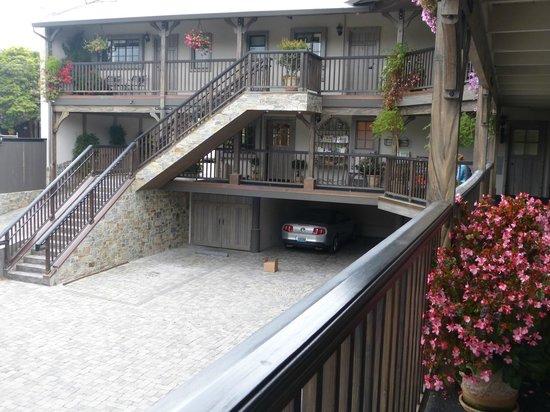 Coachman's Inn, A Four Sisters Inn: Exterior