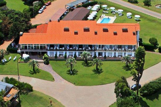 Vista aérea de Punta Ballena y Hotel Terraza del Mar