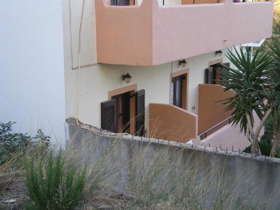 Dora Studios : Balcony View