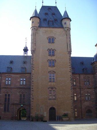 Schloss Johannisburg mit Schlossanlagen: Schloß Johannisburg