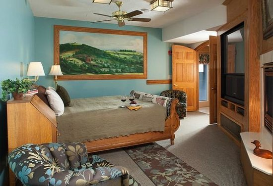 Hermann Hill Vineyard Inn & Spa and River Bluff Cottages: Chambourcin