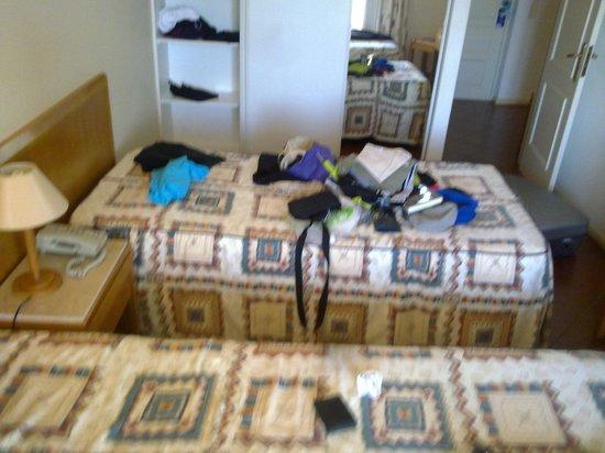Turim Estrela do Vau Hotel: Call that a double bed ?
