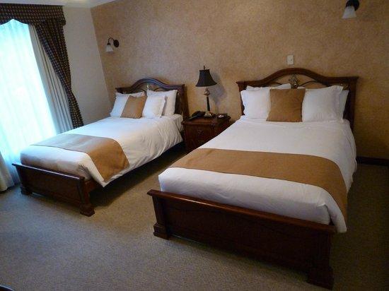 Casa Aliso: Room