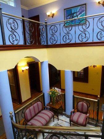 Casa Aliso: Stairs